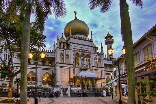 Melirik Keindahan Masjid Tertua di Singapura